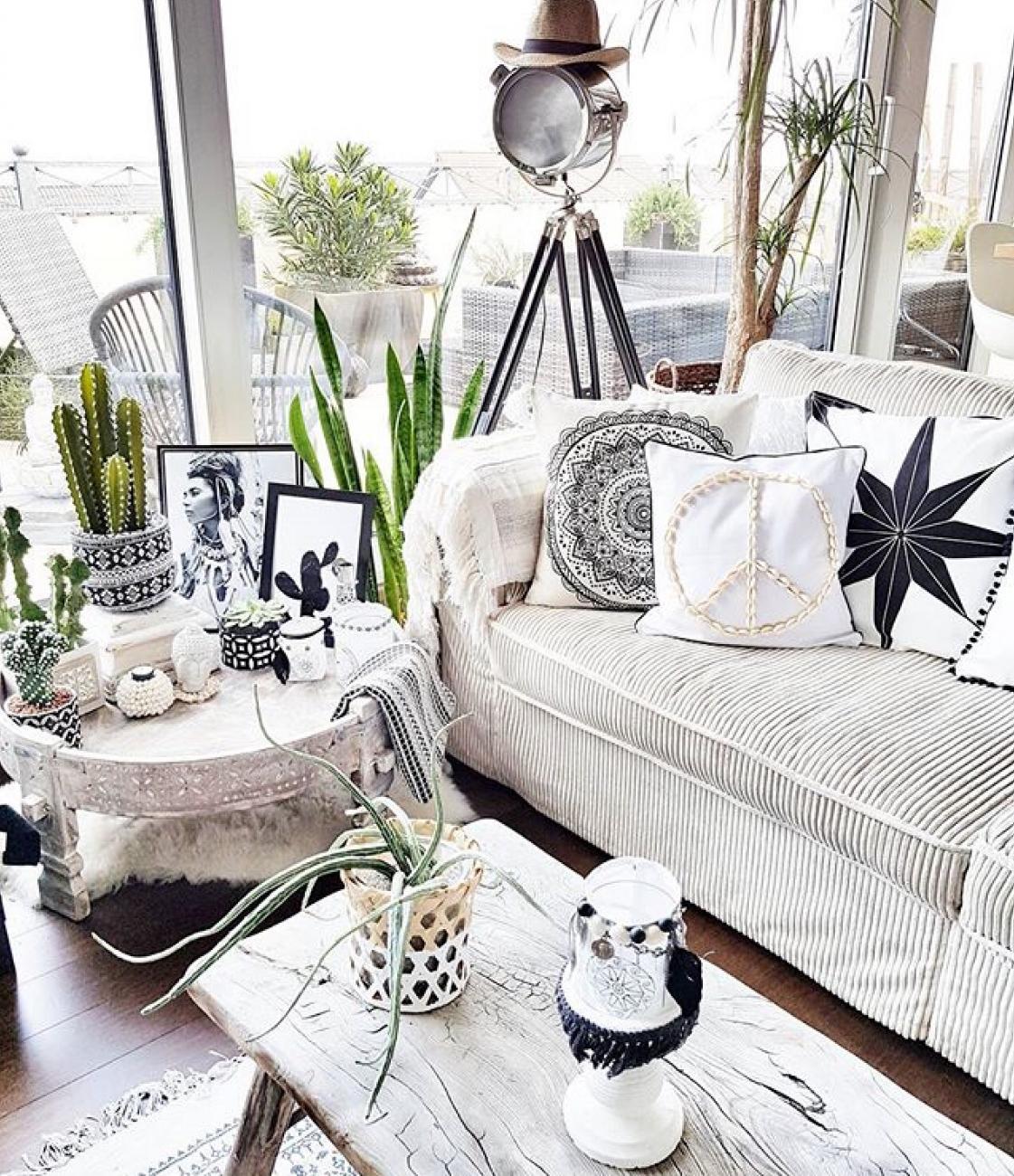 House Of Instagram Claudia Belliwood Boholiving Kate Young Design Boho Living Room Scandi Living Room Home Accessories #scandi #boho #living #room