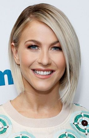 15 Best Hairstyles For Small Face Shapes To Try Right Now ...