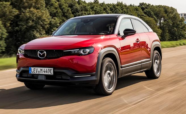 مراجعة سعر ومواصفات سيارة مازدا ام اكس 2021 Mazda Mx 30 Car Mazda Car Review