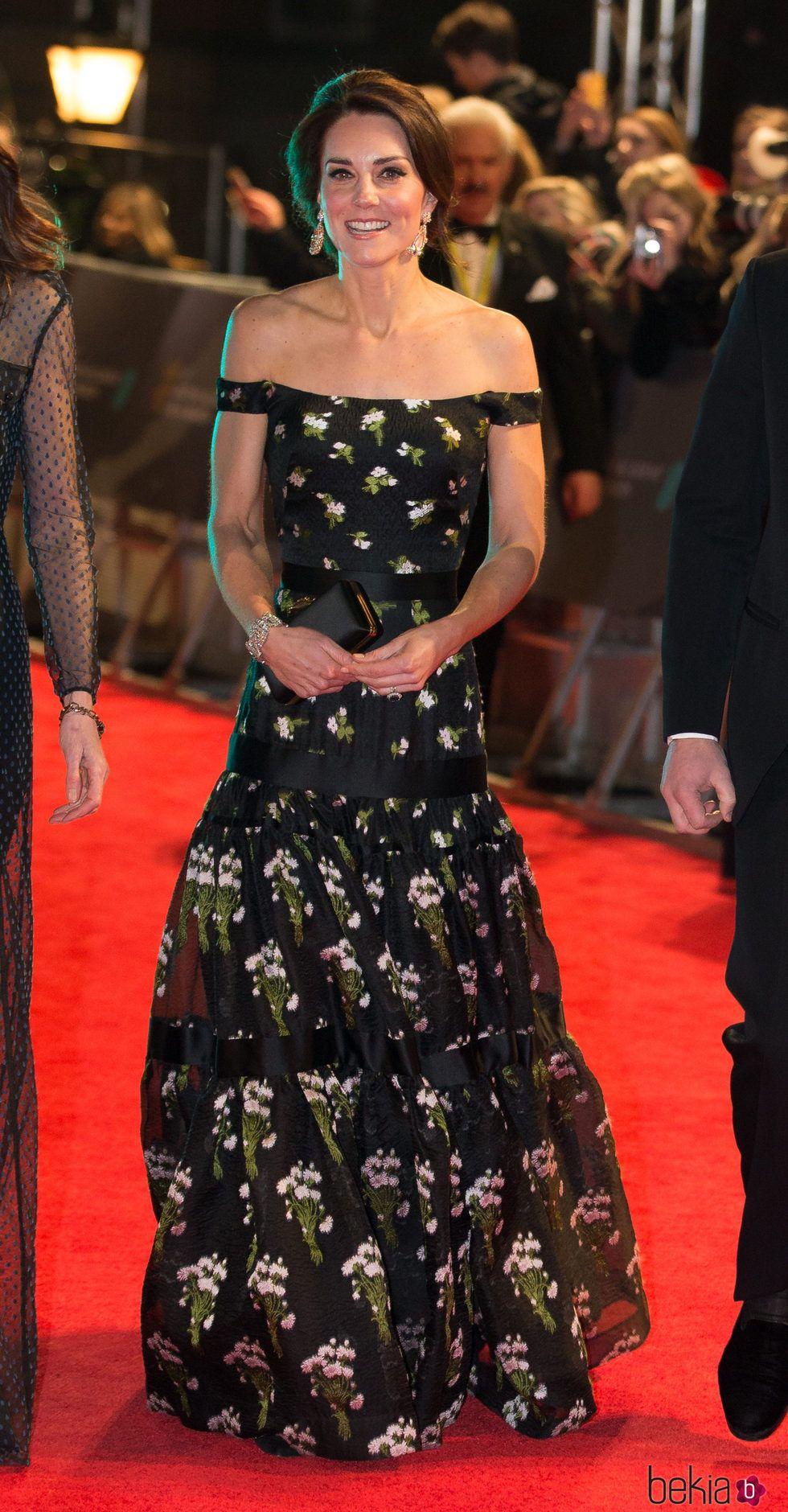 Kate Middleton en la alfombra roja de los Premios Bafta ...