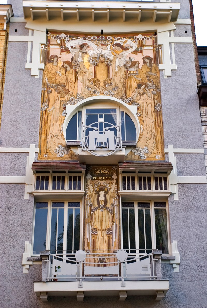 Tour the Best in Art Nouveau and Art Deco Architecture in