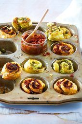 Brisk pesto snail This quick snack consists of only 5 ingredients and