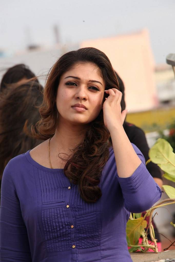 nayanthara-in-sexy-teens-pics
