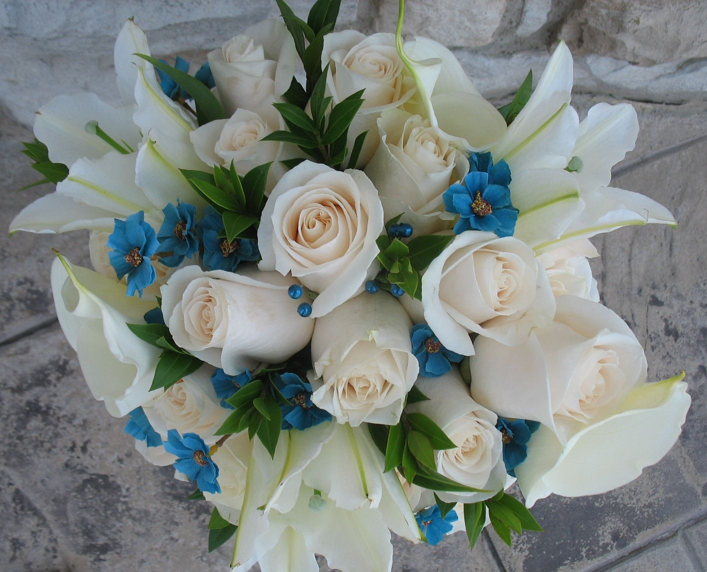 bridal bouquet with vendela roses myrtle greenery white