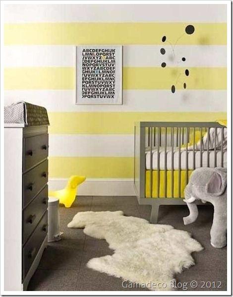 ideas de pintura de habitación de niño pequeño Papel Pintado De Rayas Amarillas Y Cuna Gris Decoracion