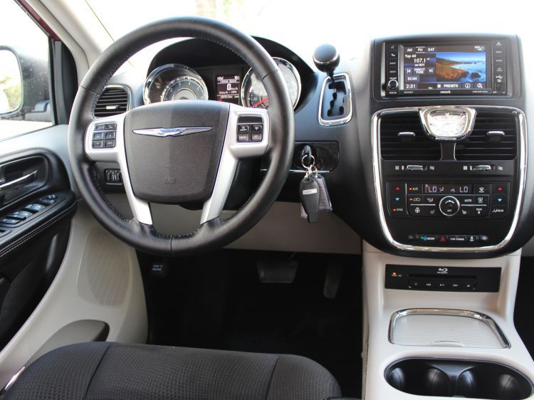 Used 2015 Chrysler Town Country Forsale Usedcaredmonton Heated