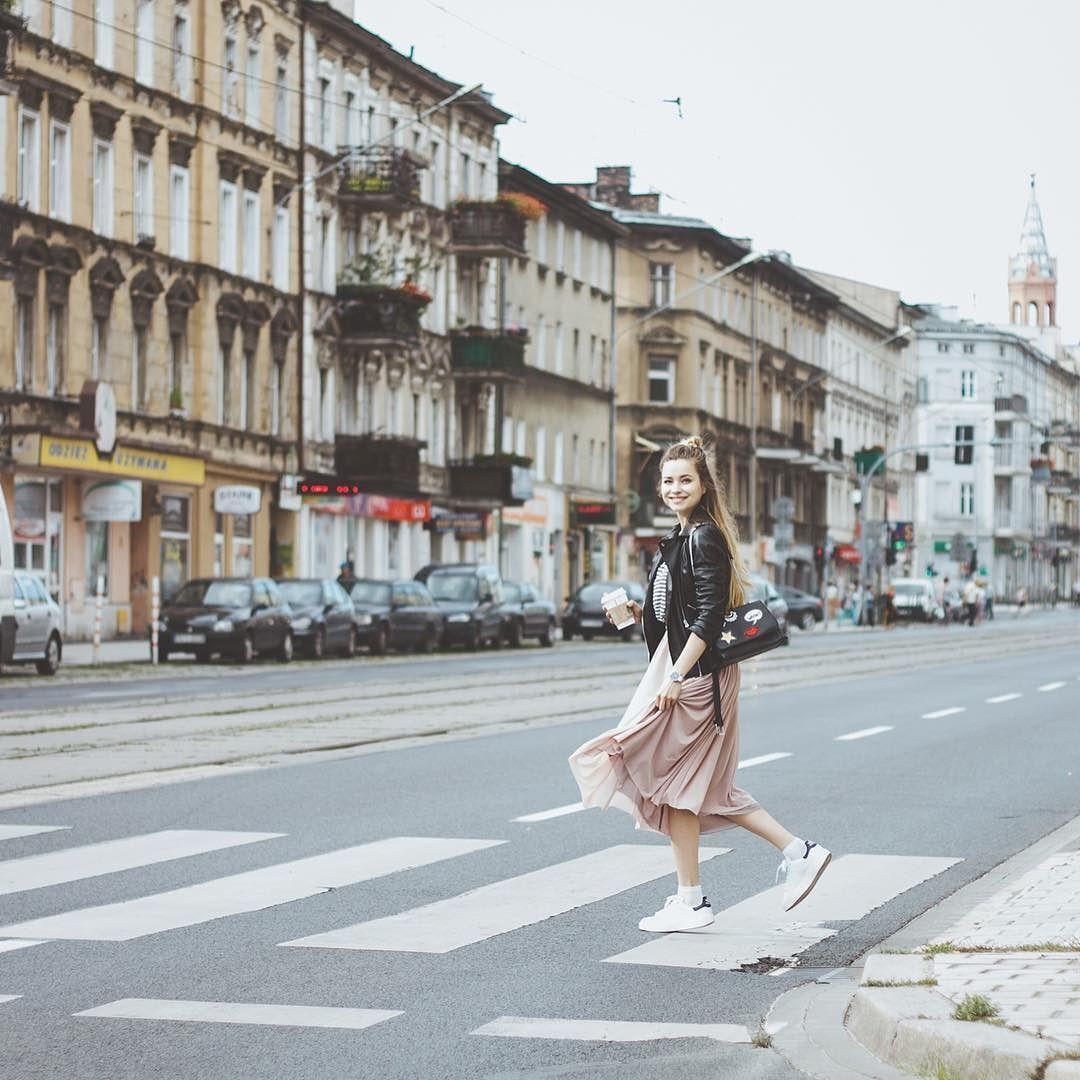 Street fot. @jpavlec #tulle #street #style #fashion #oryginalnebuty #adidas #happy #poznan #minimalism #bevorgio