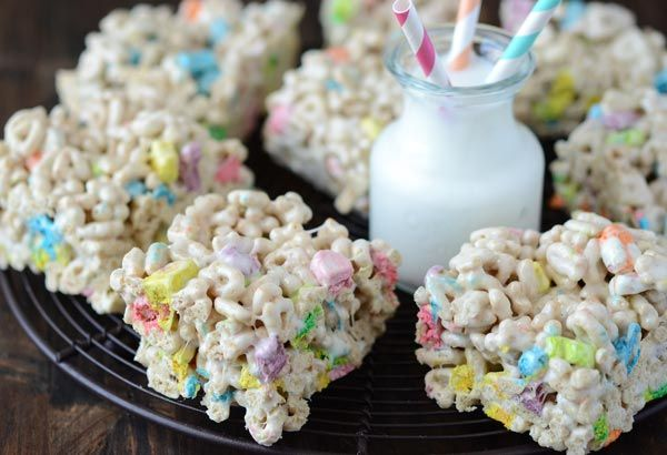 Lucky Charms Marshmallow Treats #marshmallowtreats