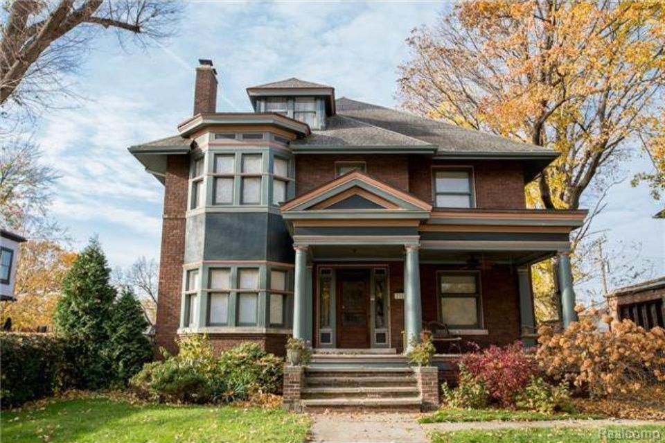 Historic Home Built In 1916 Located At 2163 Seminole St Detroit Mi 48214 Building A House Sale House Craftsman Style Homes