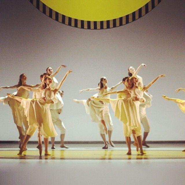 Daphnis et Chloé, choré Benjamin Millepied, scénographie Daniel Burren, musique Ravel @ Opéra Bastille #ballet #bucolique #creation #Operadeparis #dance #fluidite http://instagram.com/lesmotsdevantsoi