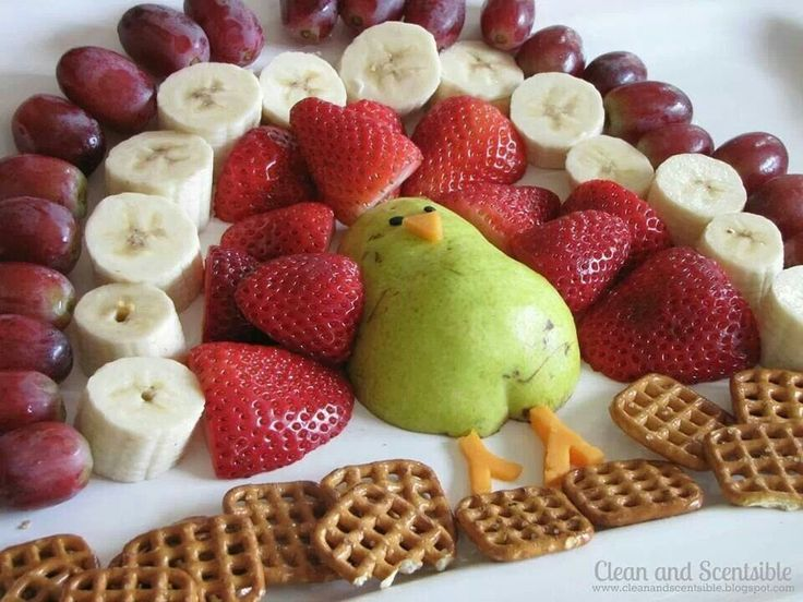 Thanksgiving Turkey Fruit Platter For Kids Fun Snack Idea