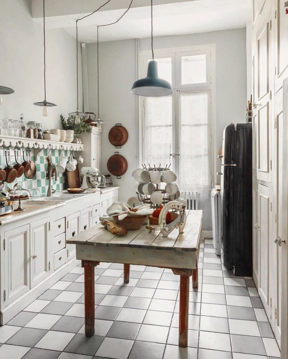 """Charming Country Kitchen Decorations With Italian Style: ELLE DECOR On Instagram: """"A Charming Country Kitchen 😍"""