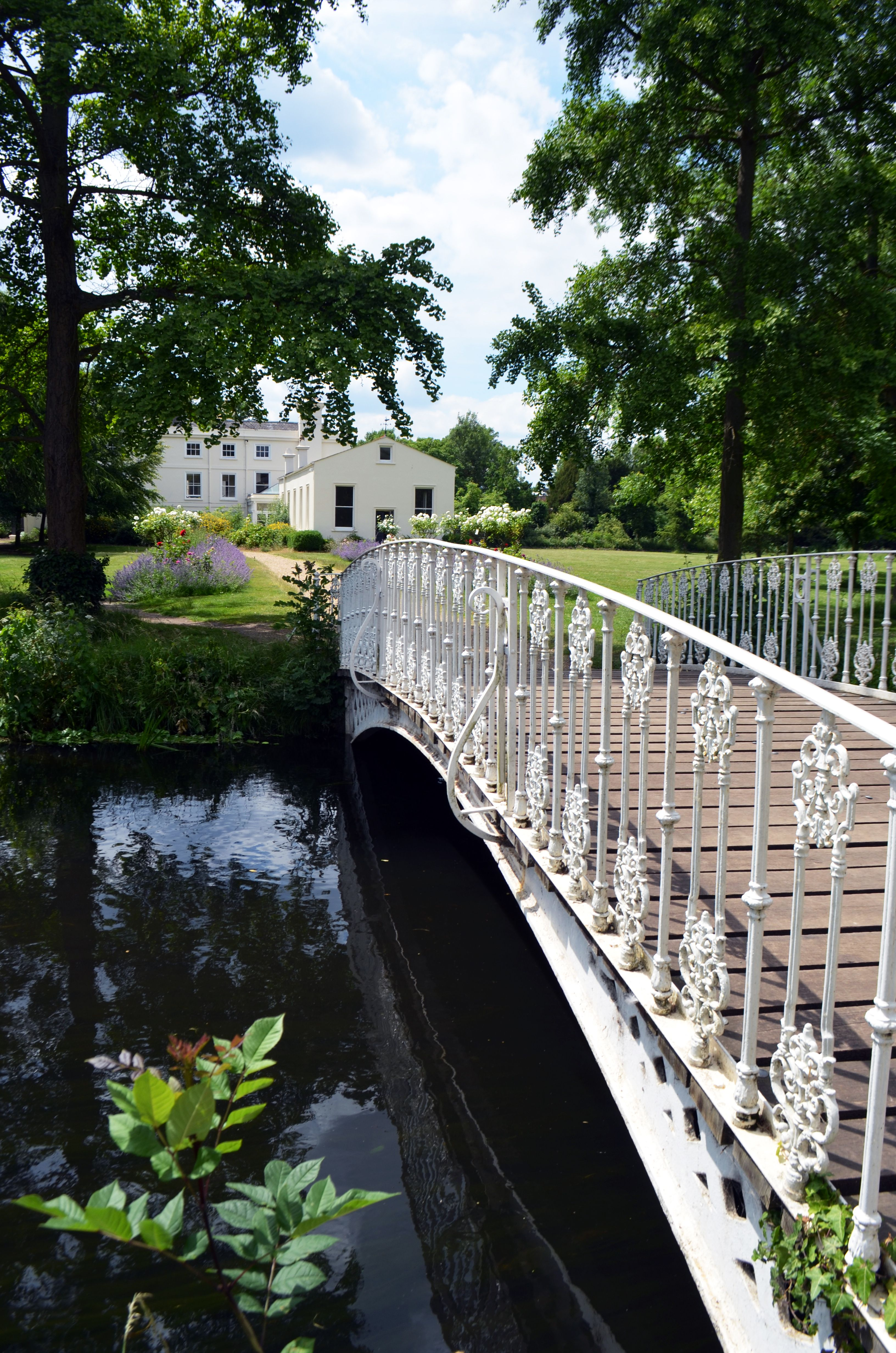 Morden Hall #wedding venue in #London. Perfect for couples wanting a retreat not too far from the city.