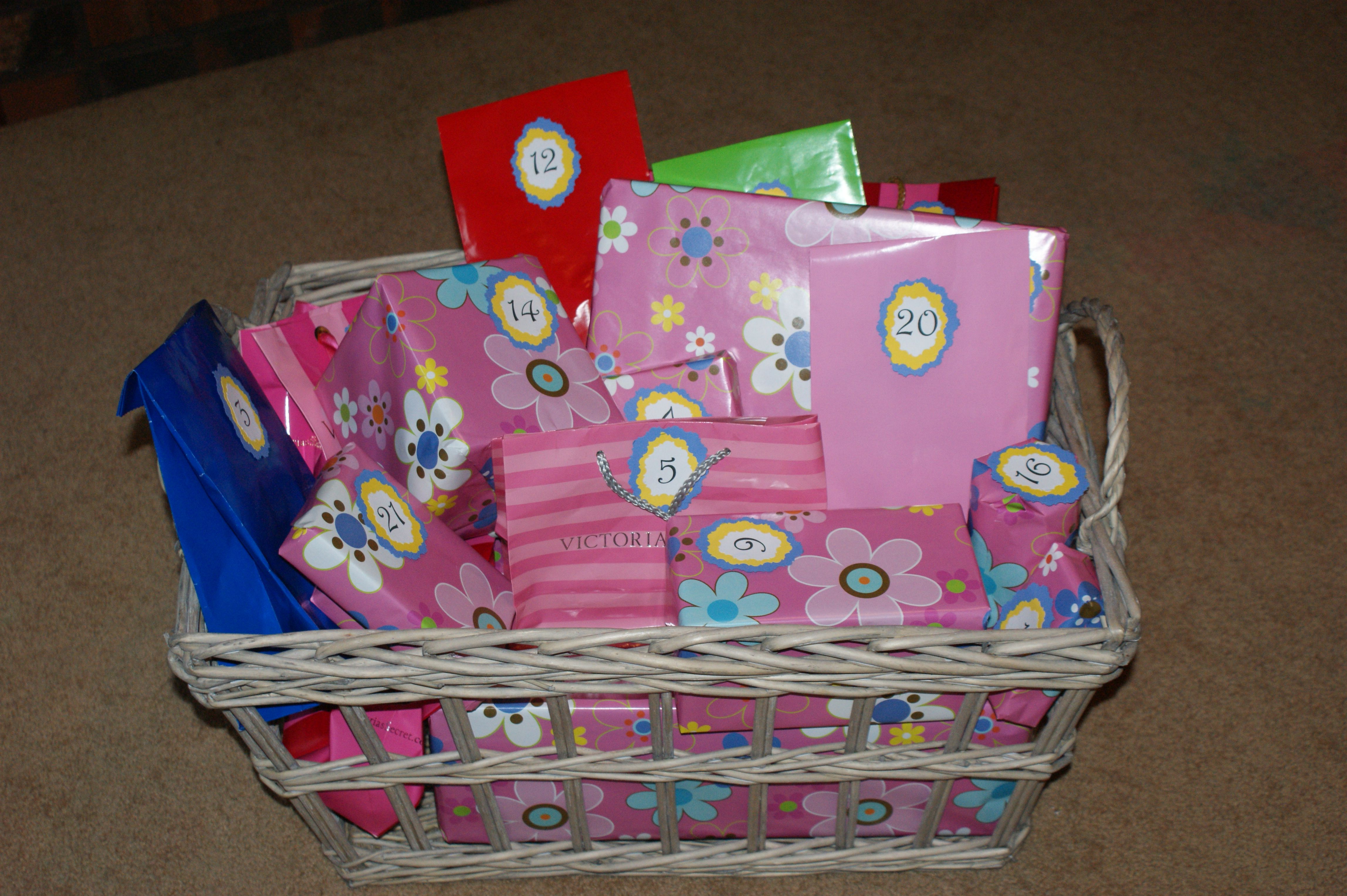 Idea For 21st Birthday Wrap 21 Gifts My Daughter Loved It