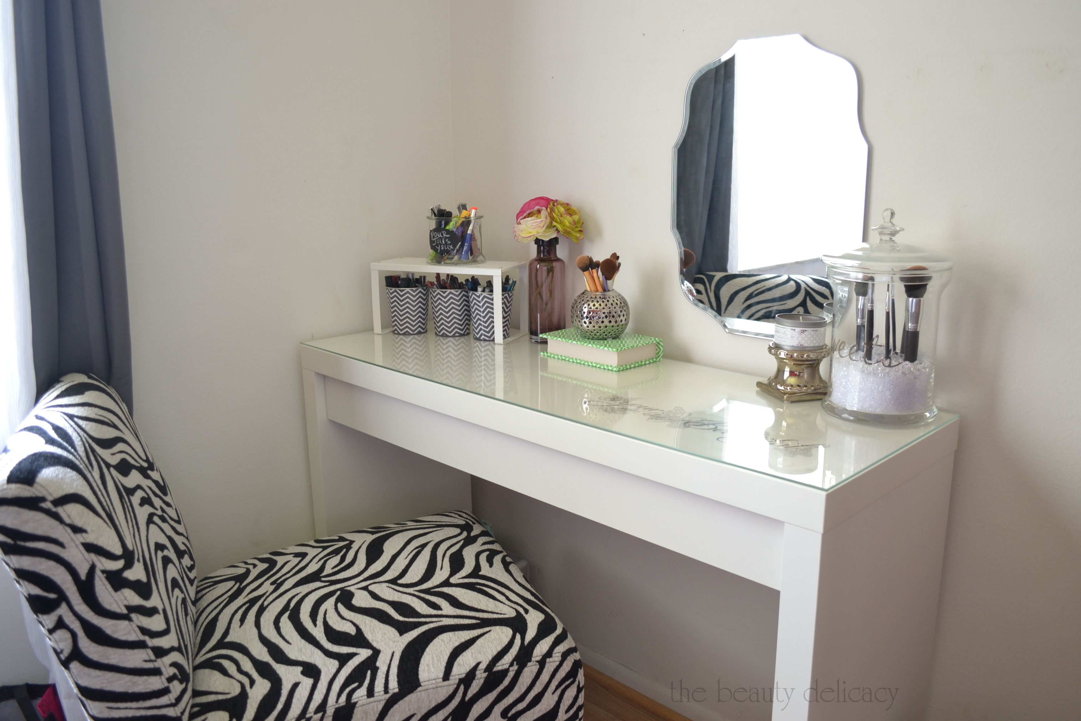 White Corner Makeup Vanity. Unusual Wall Mount Mirror Pattern With Simple White Makeup Table Glass Top  Also Zebras Vanity Stool