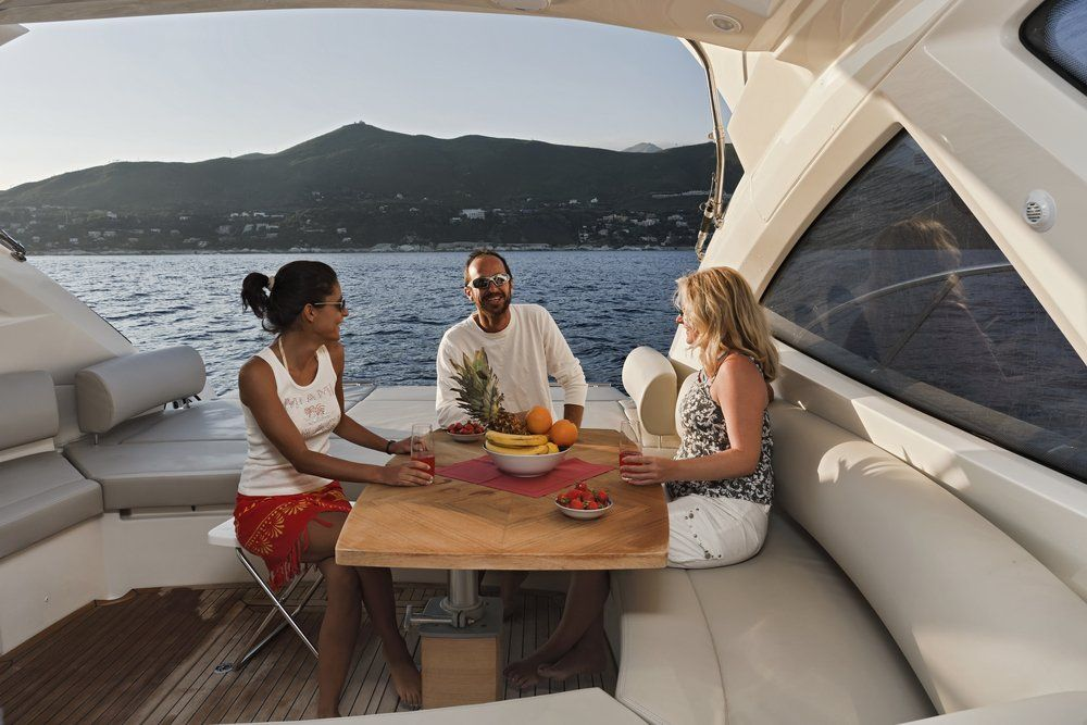 Boat charters in miami invites you to cruise and enjoy the
