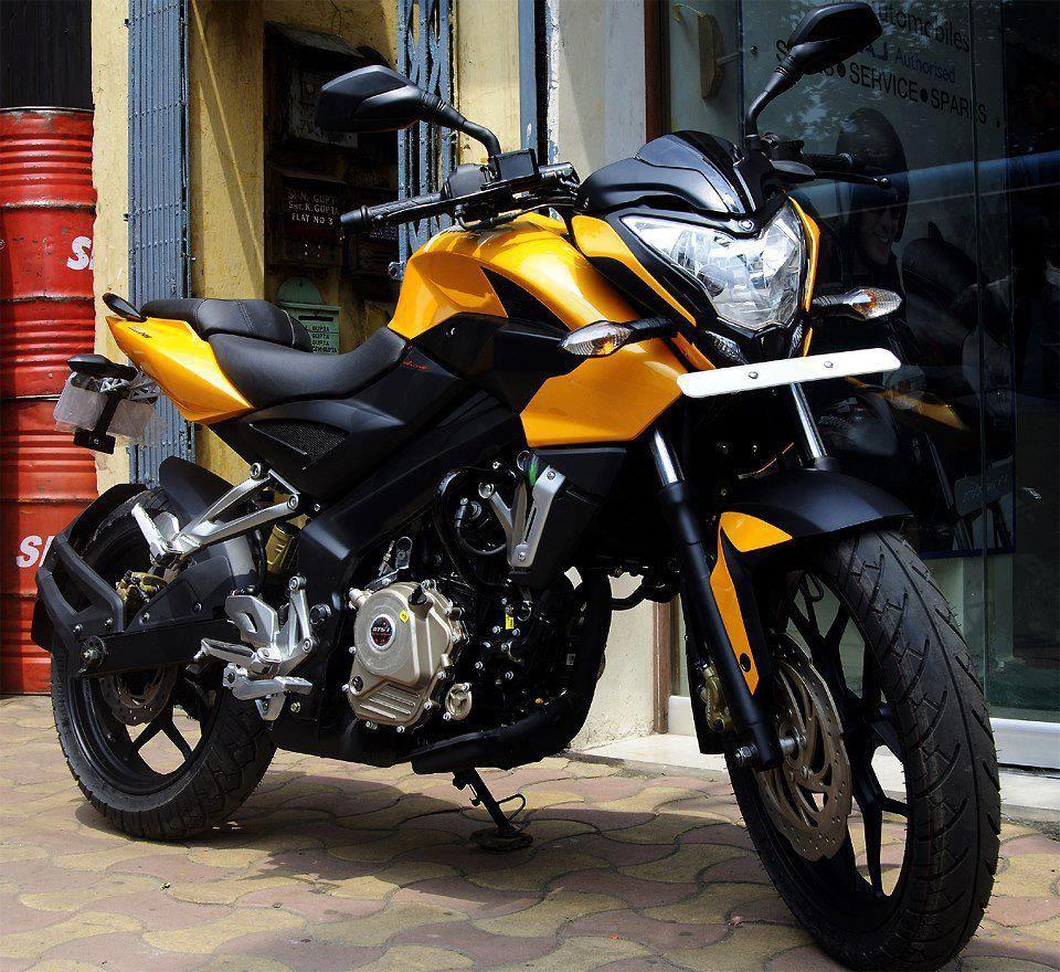 Pin on Bajaj motos