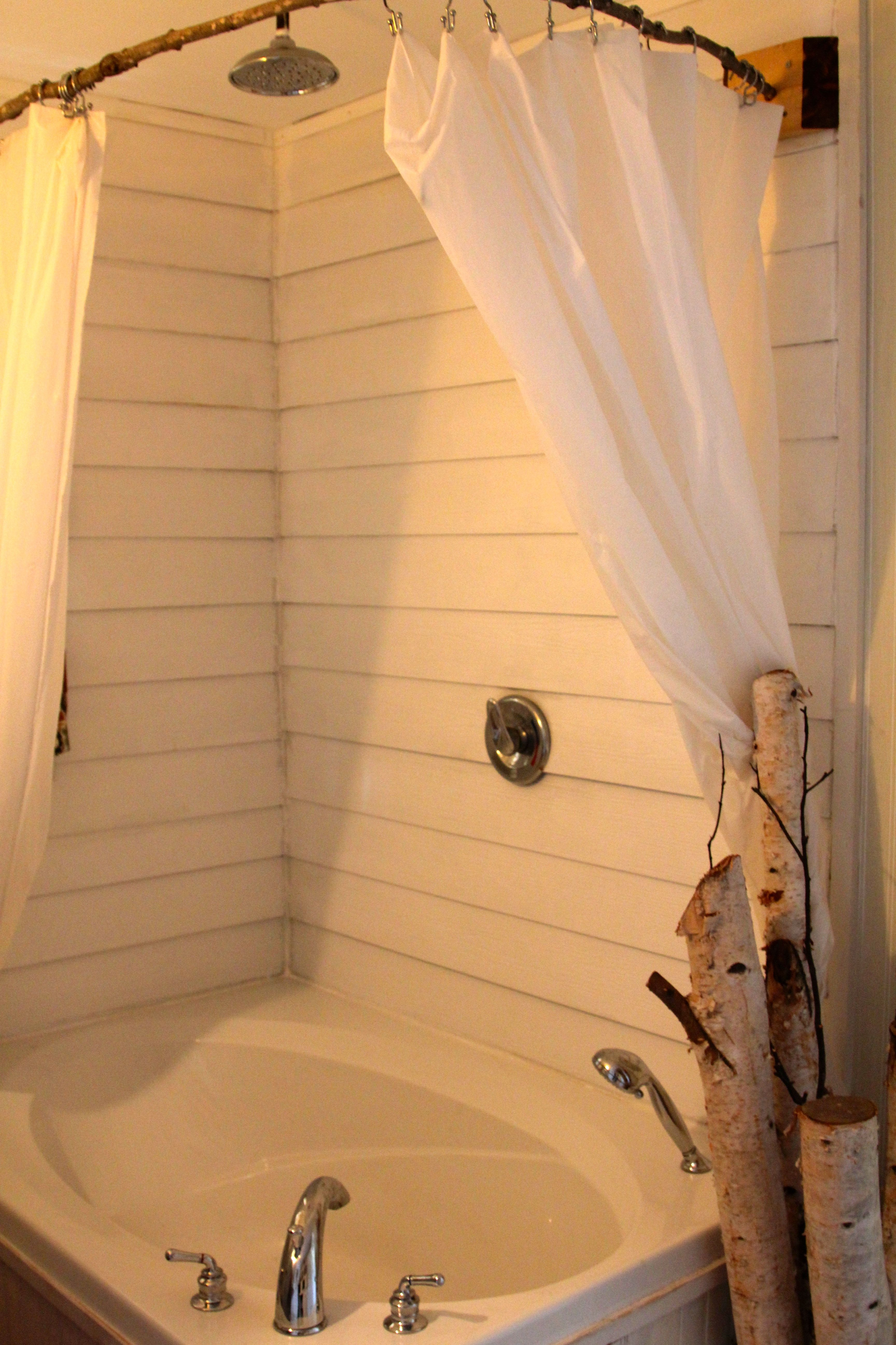 Canadian Cottage Bathroom Uses Left Over Hardiplank Siding As Bathtub Shower Enclosure Bathrooms Remodel Shower Over Bath Bathroom Sink Decor