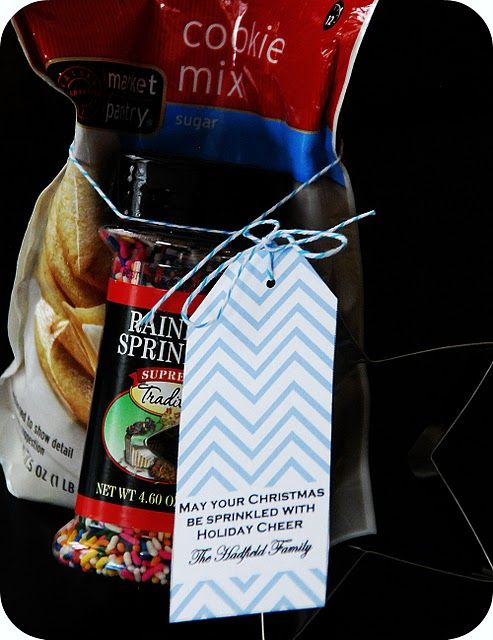 Easy little christmas gift to hand out to neighbors teachers easy little christmas gift to hand out to neighbors teachers school bus driver etc bag of cookie mix sprinkles and cookie cutter solutioingenieria Choice Image