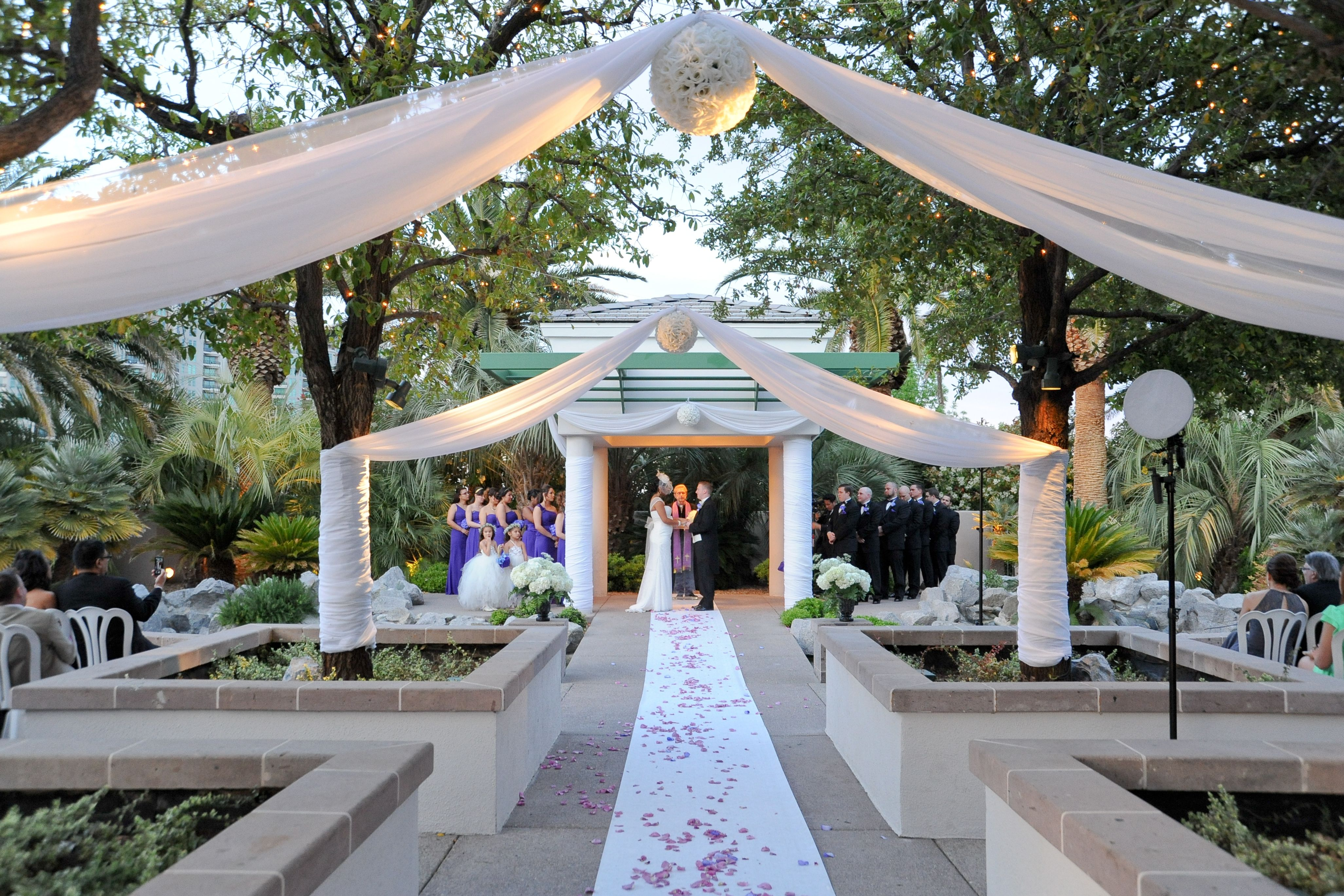 Emerald At Queensridge Perfect Outdoor Wedding Location By Cashman Brothers Fine Pho Wedding Locations Outdoor Las Vegas Wedding Locations Las Vegas Weddings