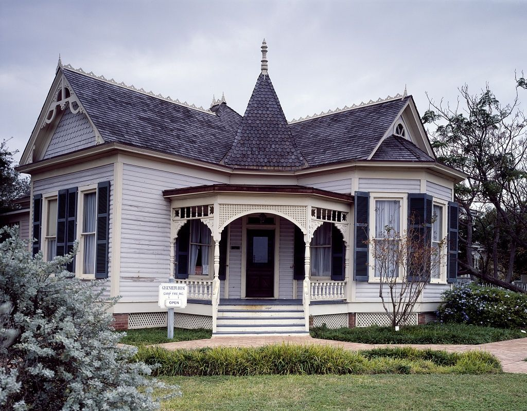 Memoriastoica Victorian Home Built In 1905 In Corpus Christi Texas Victorian Homes Gothic House Historic Homes