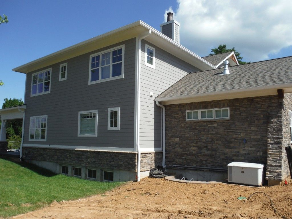 James Hardie Lap Siding In Slate Gray Trim Jh Arctic White See Front Of House For Shake Siding Certainteed Hardie Siding Exterior Renovation House Exterior