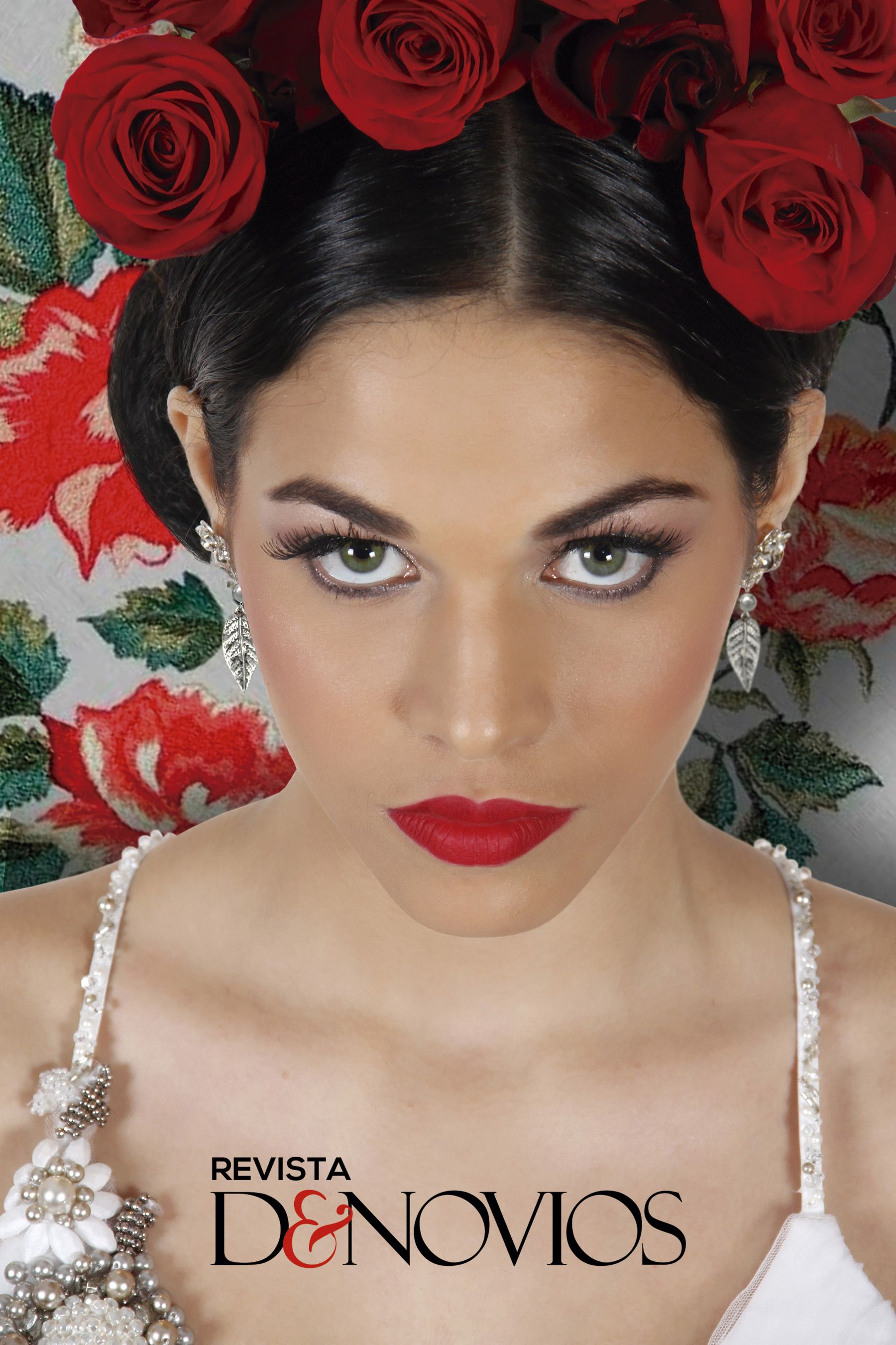 Vestido: Perú Bridal, 791 4030; Fotografía: Imagen Urbana T. 349 1320, www.imagenurbana.com; Maquillaje y peinado: Jéssica Aranda de Jes Beauty Art T. 957 561 868; Modelo: Sirena Ortiz