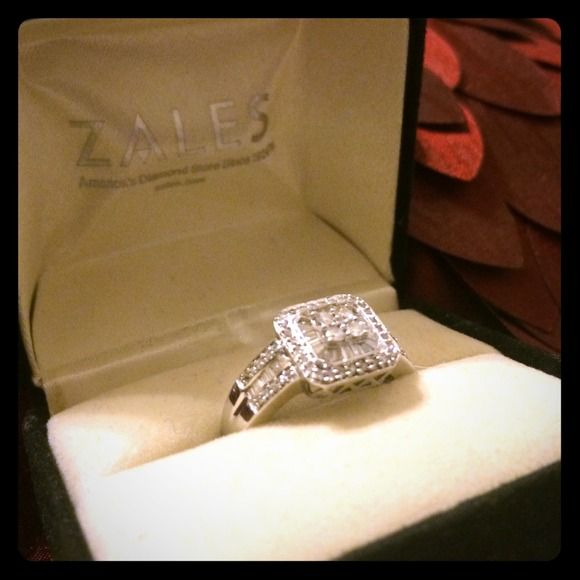 1/2 CT, 14KT WG Diamond Ring CLR G, 1/2 CTW, 14KT White Gold. Final price, thank you! Zales  Jewelry Rings