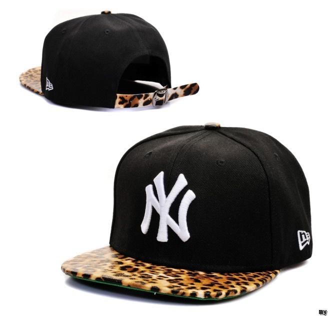 d3047244071 New Era Cap x New York Yankees Animal Print Snapback Leopard Print  Strapback Cap in Black