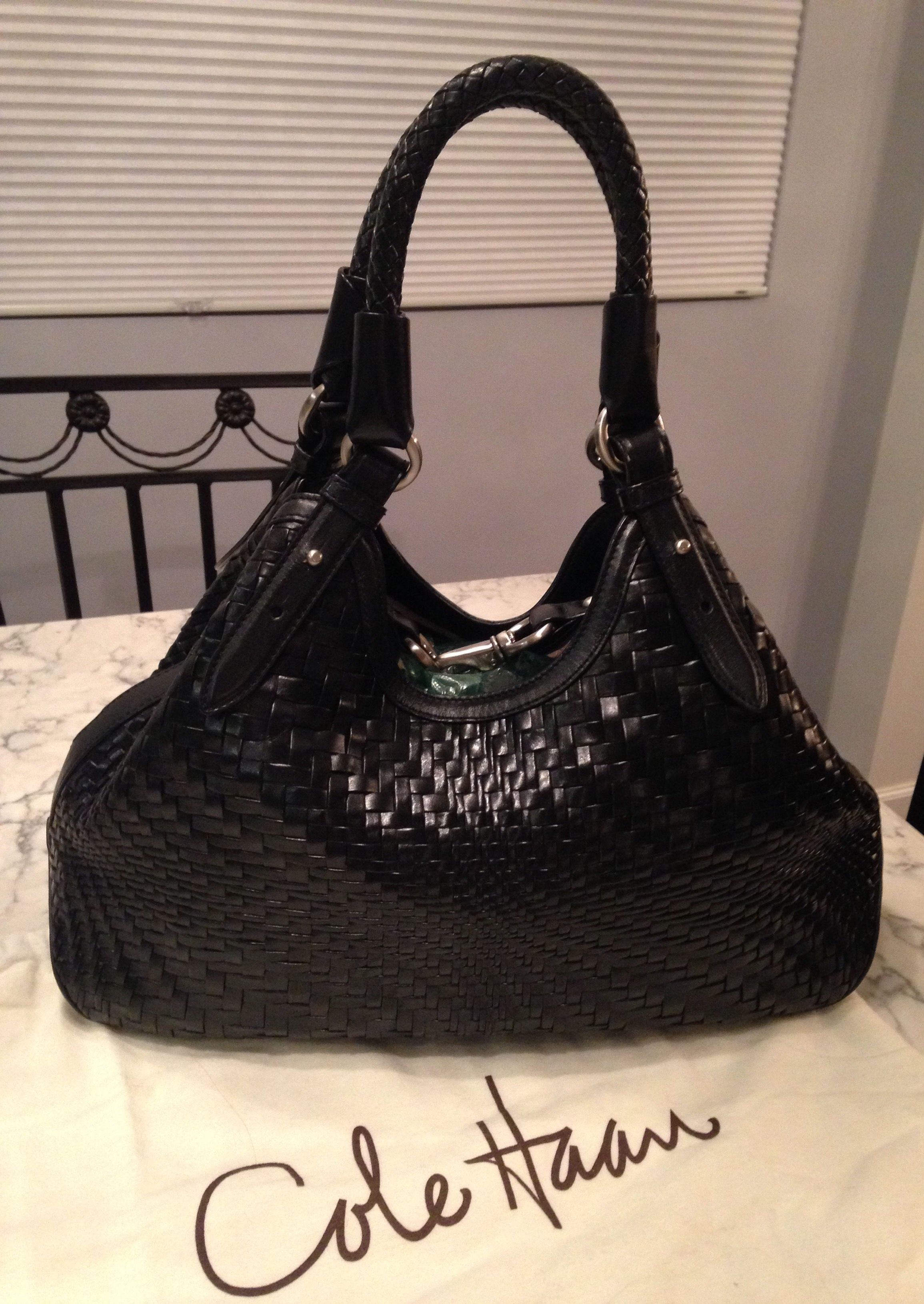 99a4ca1c963f Genevieve Like New Woven Weave Hobo Handbag Purse Black Leather Tote ...