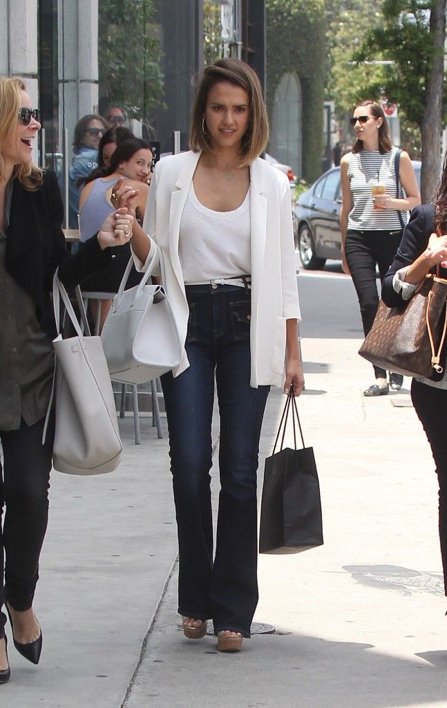 Photos  Jessica Alba  Une Working Girl Toujours Stylée !
