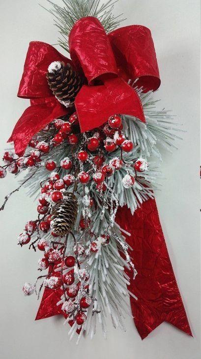 99 Amazing Front Door Wreaths Christmas Ideas