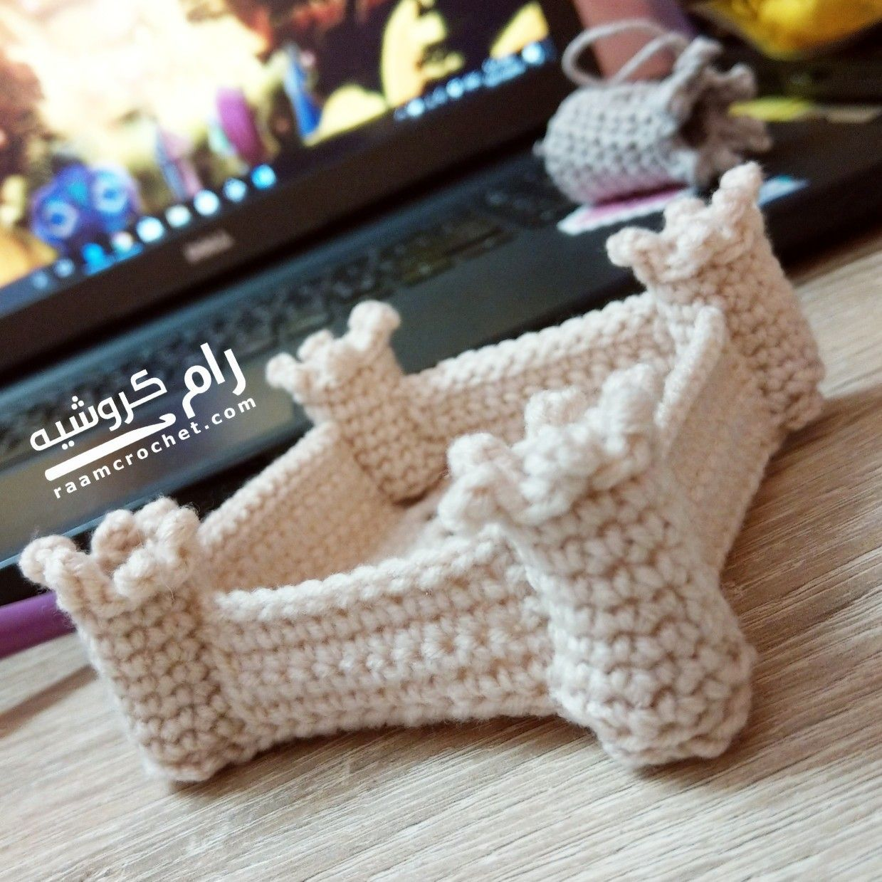 الباترون يحاكي قصر المصمك التاريخي في مدينة الرياض في المملكة العربية السعودية هذا القصر عبارة عن قلعة او حصن وبالفعل شهد Crochet Patterns Arm Warmers Crochet