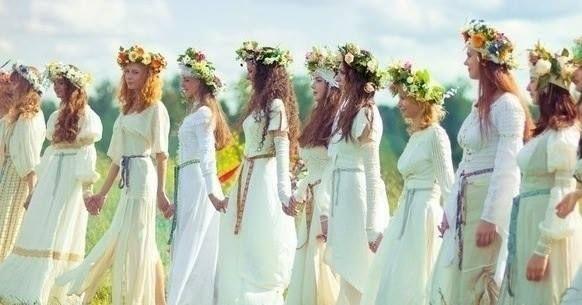 Výsledok vyhľadávania obrázkov pre dopyt slovanské ženy | Beltane, Summer  solstice, Fire festival