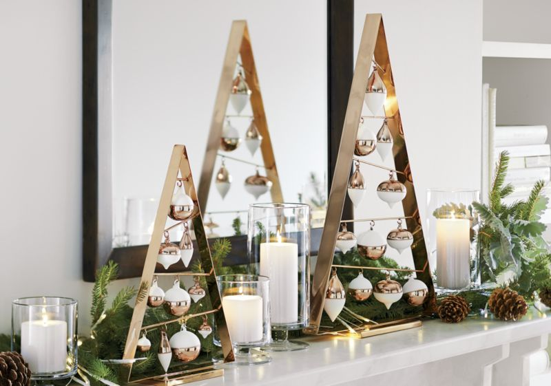 London Narrow Clear Hurricane Candle Holder Wood Christmas Tree