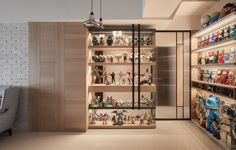 Thinking Design Action Figure S House On Behance Display Cabinet Design Design Displaying Collections