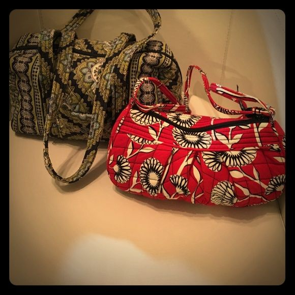 """BUNDLE of two Vera Bradley Purses Great deal , beautiful purses , like new , flawless , blue and green measures wide 13x 8"""" tall , red 10"""" wide X 6"""" tall Vera Bradley Bags Shoulder Bags"""
