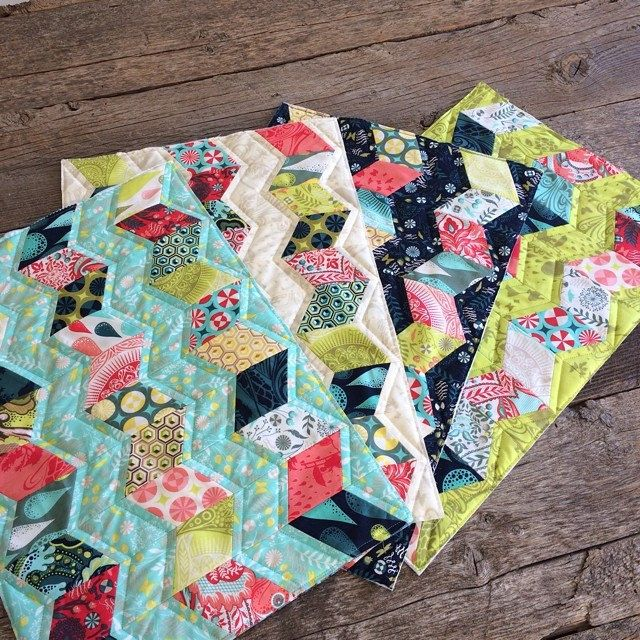 My Seasidequilt Placemats Are Quilted Time To Decide On Binding Binding Iheartbinding Miniquilts Tulapink Tulatroops Quiltlove Sidekickruler Jaybir Jaybird Quilts Arrow Quilt Quilts