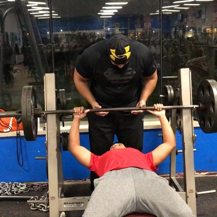 Sophmore Highschool Football Offseason Workout Weighttraining Benchpress 225lbs Fitness Exercise Weight Training Bench Press High School