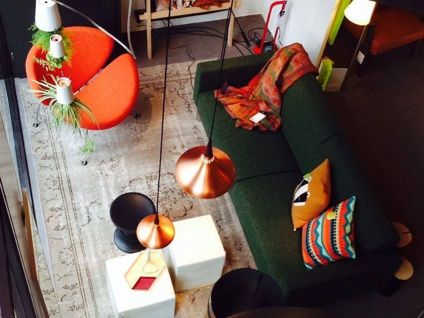 Lightyears Calabash 6 : Orange slice chair from #artifort and orient lights from #lightyears