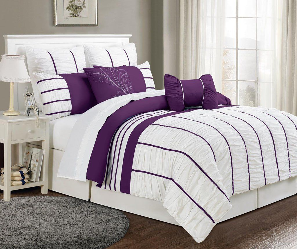 Amazon Com 8 Piece Queen Villa Purple And White Comforter Set
