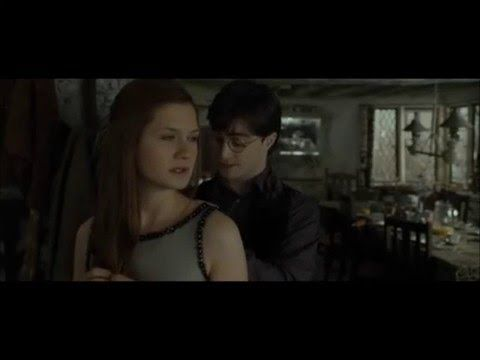 Ginny And Harry Potter Kiss Bonnie Wright Daniel Radcliffe Harry Potter Kiss Harry Potter Ginny Daniel Radcliffe Harry Potter