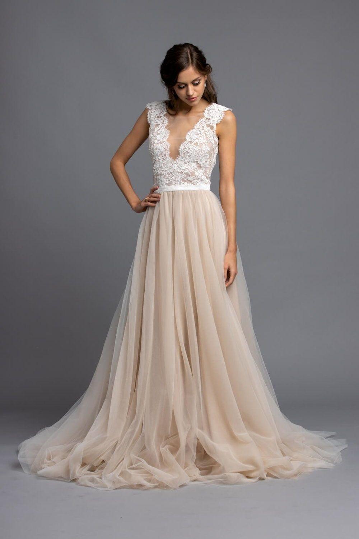 Puderfarbenes Brautkleid mit Tüllrock in 8  Brautkleid