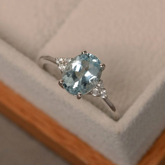 Aquamarine ring, oval blue aquamarine ring, natural blue gemstone, March birthstone, engagement ring #aquamarineengagementring
