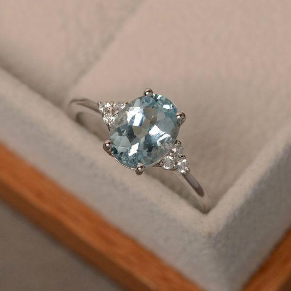 Aquamarine ring, oval blue aquamarine ring, natural blue gemstone, March birthstone, engagement ring #aquamarineengagementring