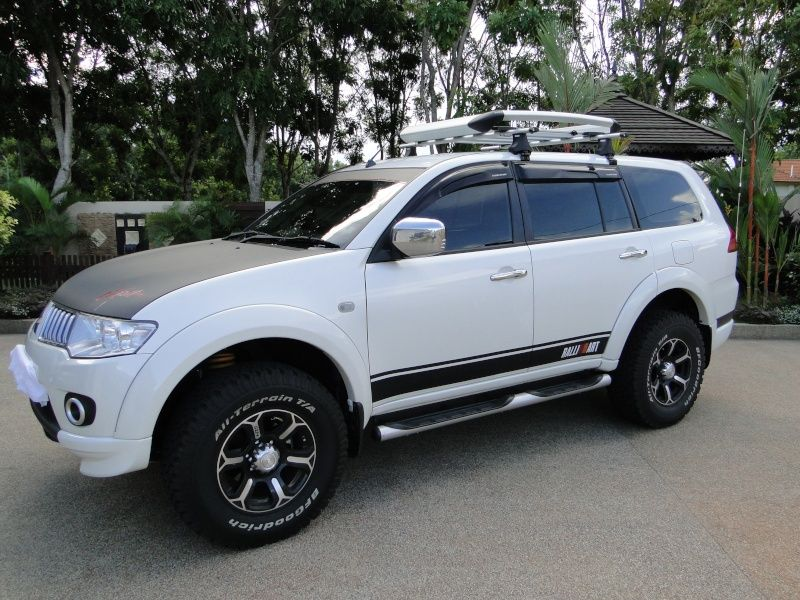 Mitsubishi Pajero Sport With Off Road Tyres Google Search Mobil