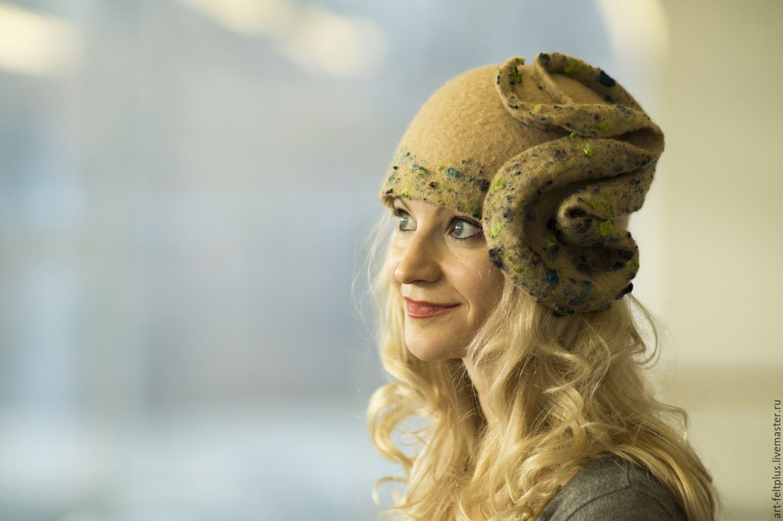 """Купить Шляпка """"Соблазн""""(10) - салатовый, абстрактный, шляпка, шапка, шляпка женская, шляпка подарок"""