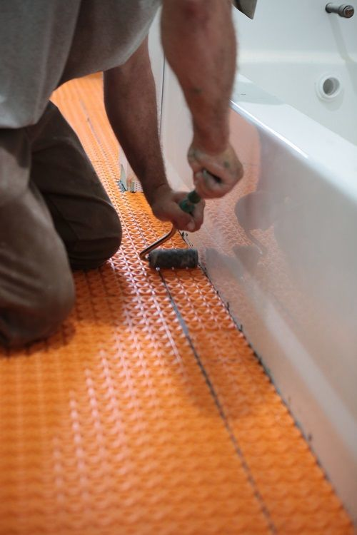 Electric Radiant Ditra Heat In The Bathrooms Floor Heating Systems Radiant Floor Heating Tile Installation