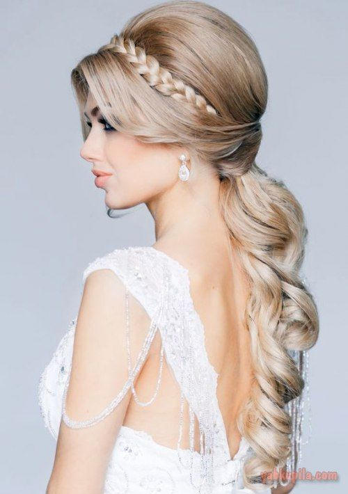 43b09c414ee Свадебные прически на длинные волосы. Модные и актуальные идеи ...