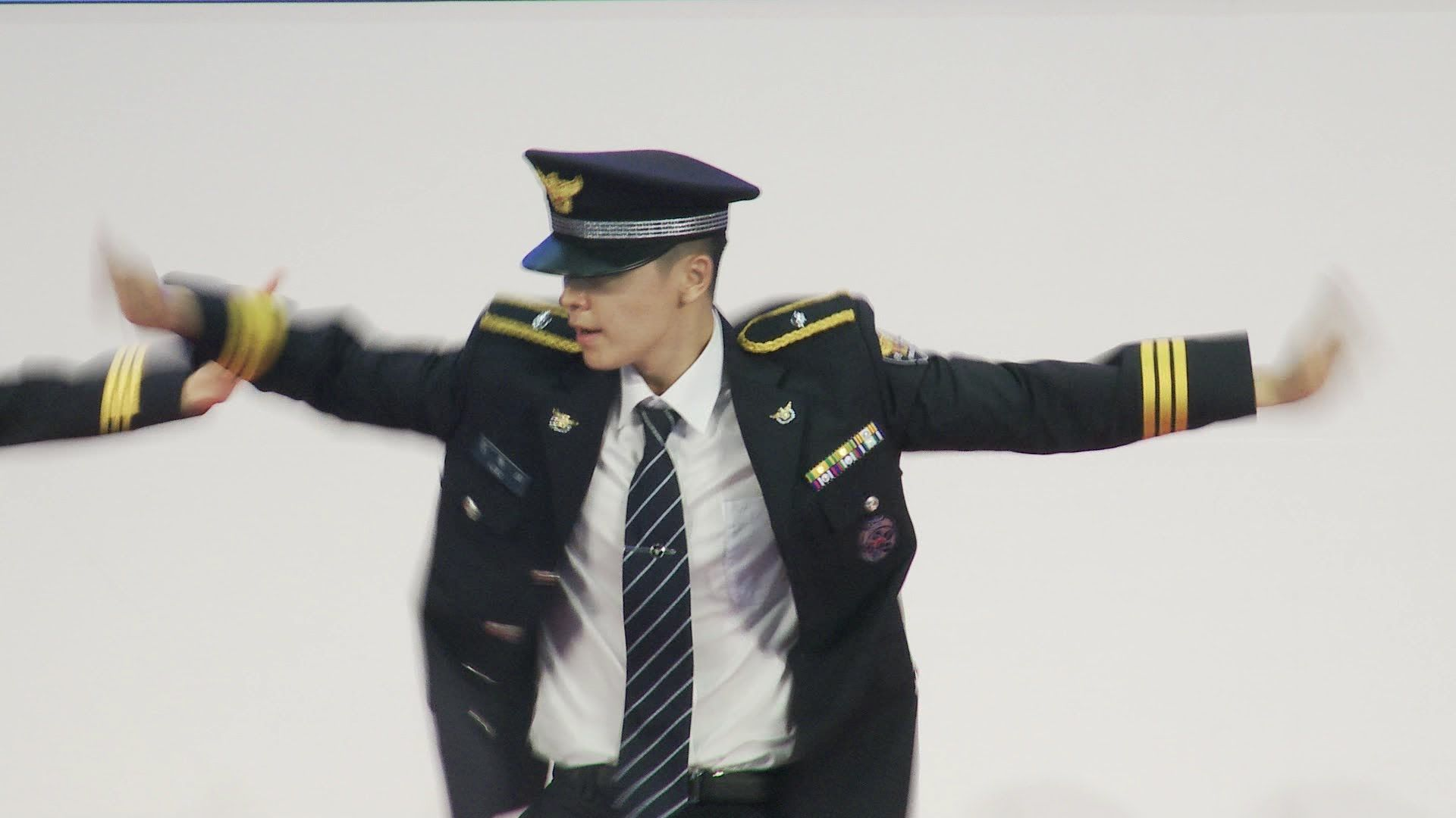 슈퍼주니어 동해, 동방신기 최강창민 '춤 실력 녹슬지 않았네~'